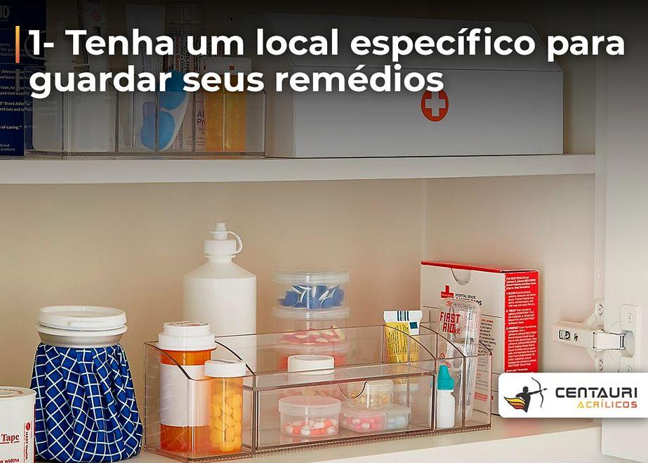 caixa de acrílico com remédio