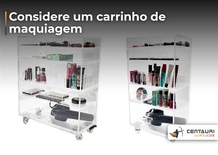 Dois carrinhos de maquiagem em acrílicos um do lado do outro