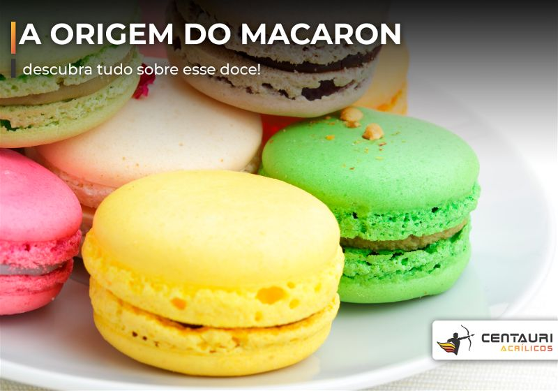 Macarons coloridos em prato branco