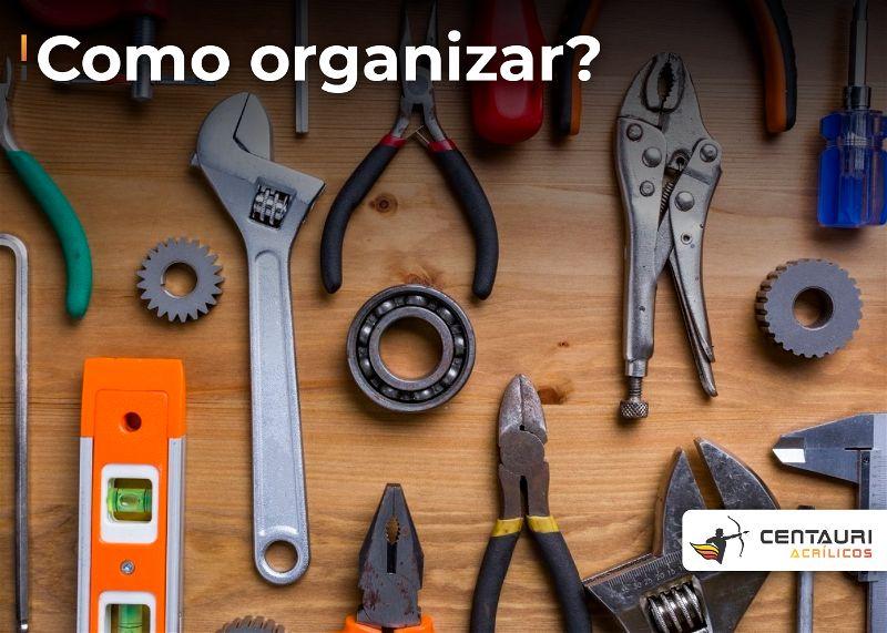 bancada com as principais ferramentas para afazeres domésticos