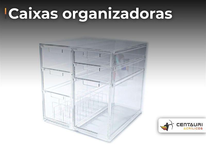 Caixa organizado em acrilico transparente