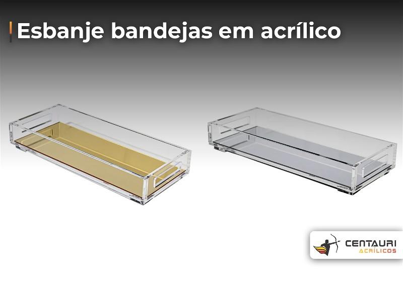 Imagem com duas bandejas em acrílico transparente