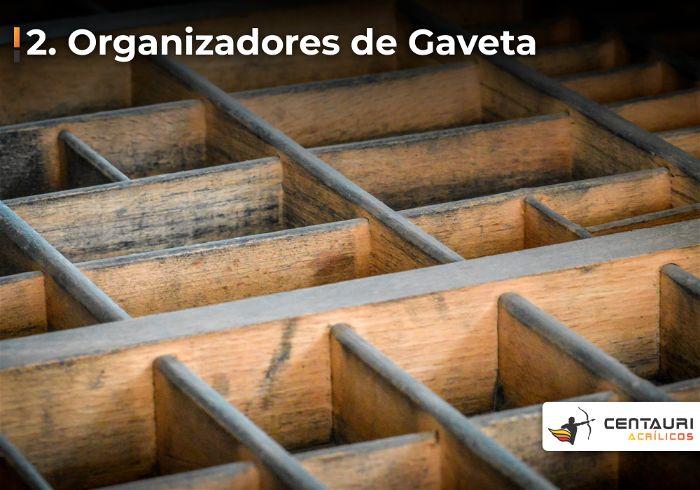 Organizador de gavetas em madeira visto de cima